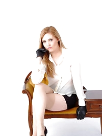 Gorgeous office girl Louise forget to wear any underware,..