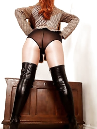 With tweed jacket and riding crop in hand Reds well..