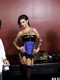 Skin Diamond, Bonnie Rotten Pictures in Double Dildo Dommes