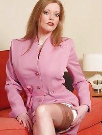 Holly - High class hottie tottie!