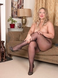 Here is Beth in curvy form in a scene of intense pantyhose..