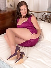 Tindra likes men that spoil her, and getting her back to a..