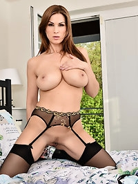 Enhanced mom Carol Gold is happy to be a horny cougar. Her..