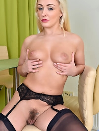 What you wouldnt give to have a teacher like Amber Deen!..