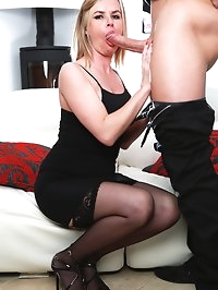 Experienced Cock Hungry Cougar Summer Rose Gets a Big Facial