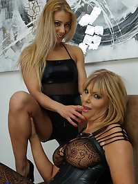 Naughty MILF goes full lesbian with a hot mom