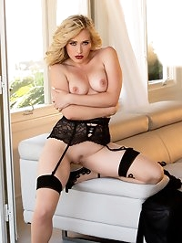 MK Blondie gives those hot teacher vibes