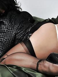 Amanda loves sexy, silky nylons