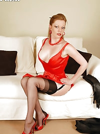 Holly - Lady in red...