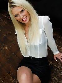 Sophia Lee01