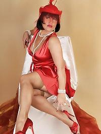 Fiery hot babe in red
