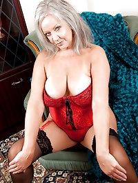 Anilos siren loves to flirts in her lingerie