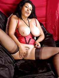 Captivating Anilos Donna shows off her ample breasts with..
