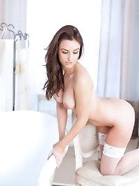 Sarah E in Too Damn Hot!