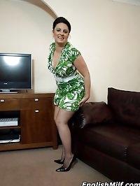 Cock-hungry suburban wife Daniella in sexy green dress and..