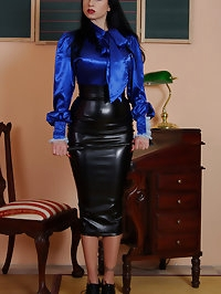 obey your strict hobble skirt mistress