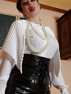 Teacher Nylon Pics