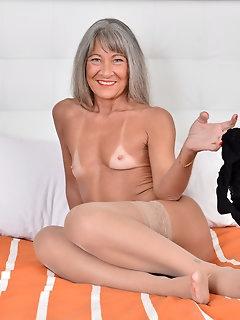 Orgasm Nylon Pics