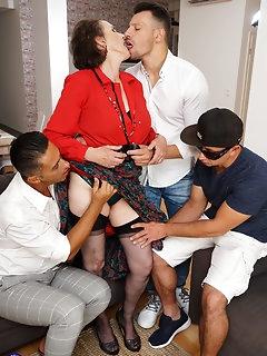 Group Sex Nylon Pics