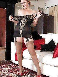 Lady Nylon Pics