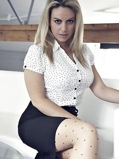 Skirt Nylon Pics