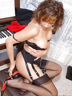 Beautiful Nylon Pics