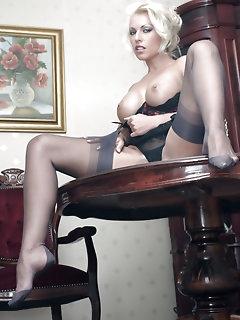 Legs Nylon Pics