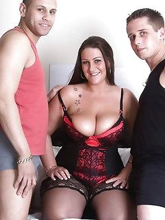 Threesome Nylon Pics