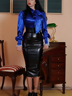 Latex Nylon Pics