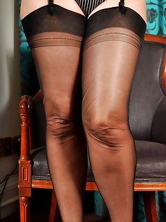 Ebony Nylon Pics