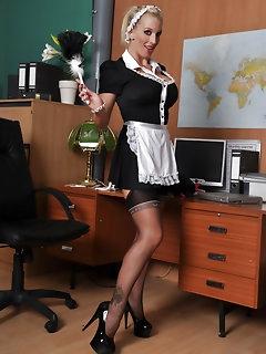 Maid Nylon Pics
